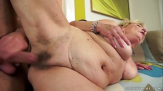 Granny's hair pussy covered with jizz