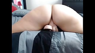Chatty Cam Babe Big Ass Dances and Fucks